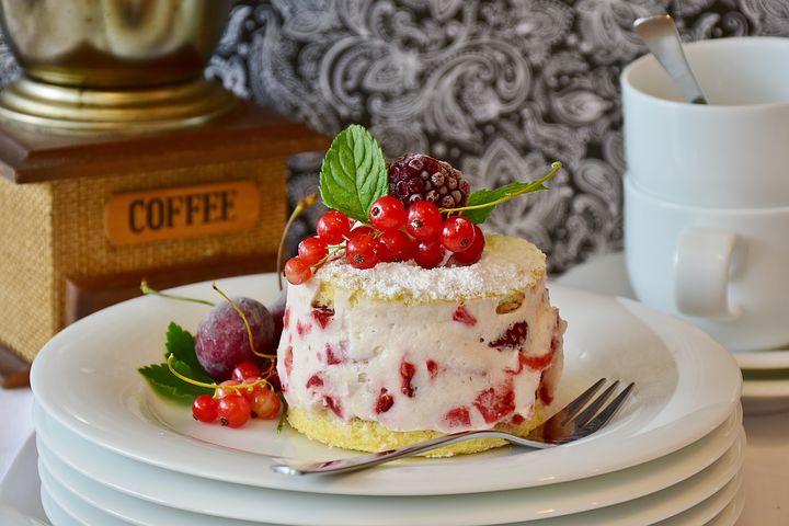 cake-2459944__480