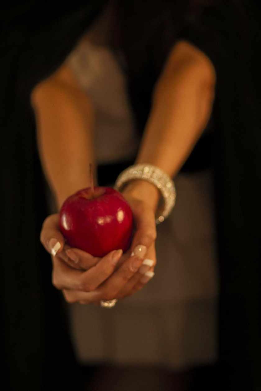 apple-eve-fruit-poisoned-apple